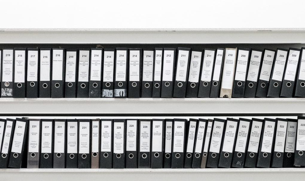 Regulacje prawne i rola władz, a rozwój infrastruktury ładowania